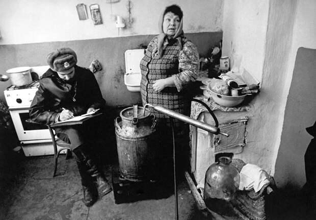 Самые АБСУРДНЫЕ статьи, по которым сажали в СССР
