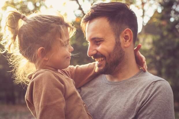 Девочка, воспитанная отцом-одиночкой: чем она отличается от других девочек