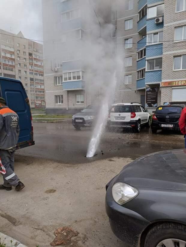 Фонтан с горячей водой устранили на улице Красноармейской в Ижевске