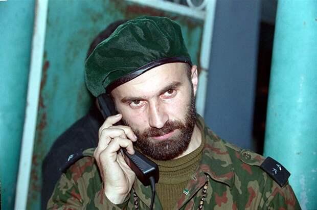 Шамиль Басаев, 2005 год.