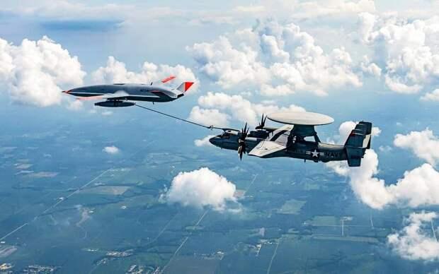Дозаправка самолета управления E-2D Hawkeye с перспективного дрона заправщика MQ-25