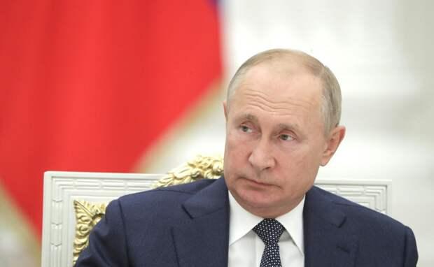 Держит руку на пульсе: эксперты об итогах совещания Путина с правительством