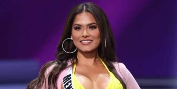 Бикини, в котором можно почувствовать себя «Мисс Вселенной»: какой купальник выбрала для дефиле новая победительница конкурса