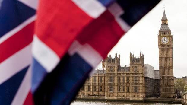 Лондон заявил, что британские корабли продолжат проходы в Черном море