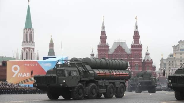 США шпионили за Парадом Победы в Москве