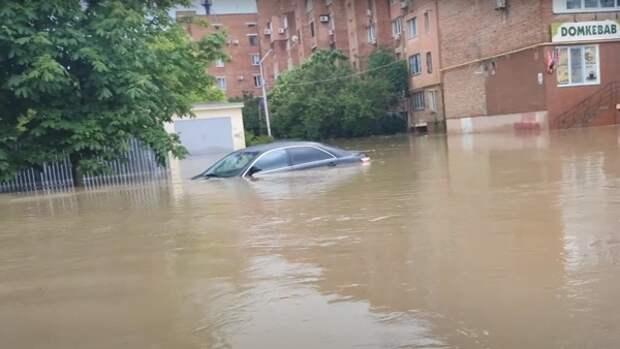 Власти Керчи оценили сроки устранения последствий наводнения