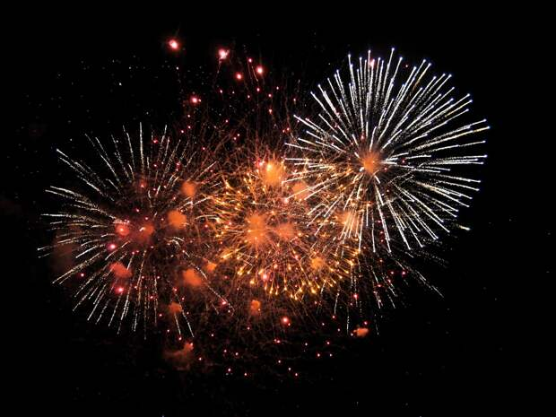 В Новый год в Ижевске ограничат движение транспорта из-за салюта