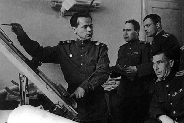 Полковник Лютый: кто был тайным покровителем Михаила Калашникова