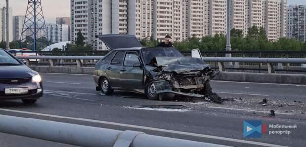 Две аварии сковали движение на Братеевском мосту