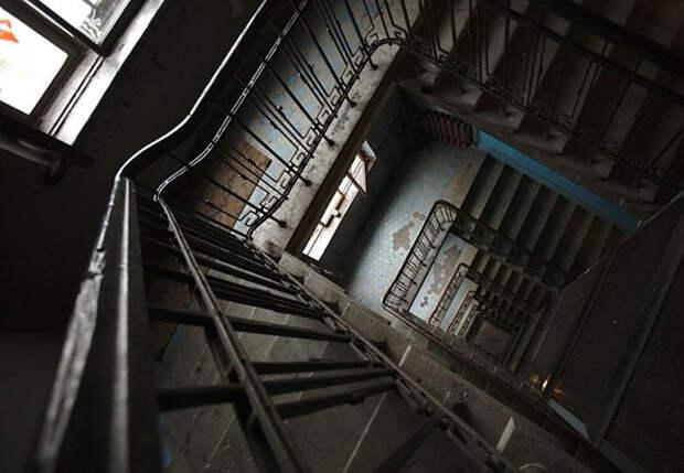 Загадочный дом засветился и в других отечественных фильмах, ведь он очень колоритен. /Фото:cityspb.ru
