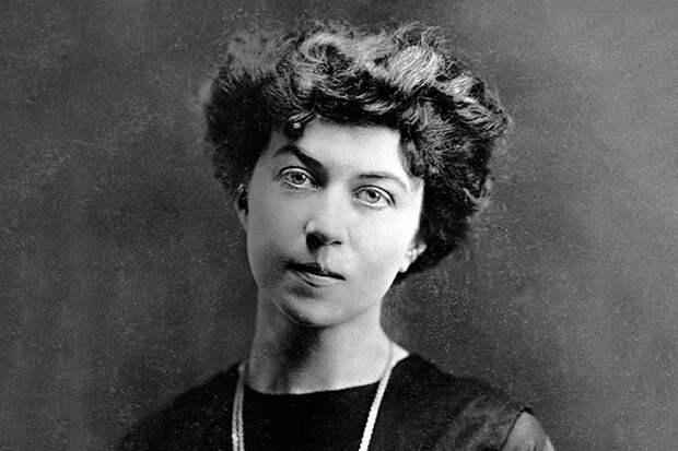 Александра Коллонтай: судьба первой свободной женщины в СССР
