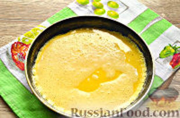 Фото приготовления рецепта: Бризоль с сосиской и сыром - шаг №7