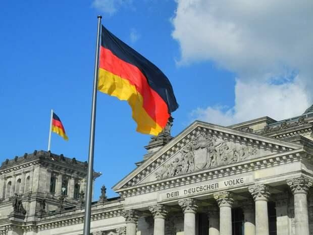 Немецкий депутат удивился призывам Киева к Берлину помочь «вернуть» Крым
