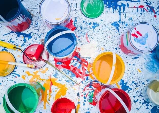 Экомобили в Петербурге начали принимать просроченную бытовую химию, лаки и краски