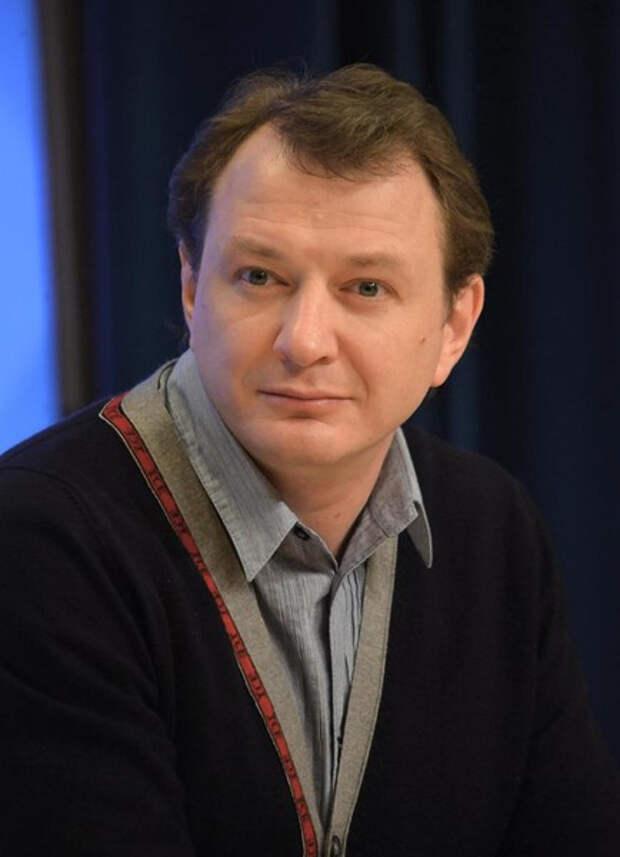 Вячеслав Манучаров: «Я буду смотреть фильмы с Башаровым, а то, над кем он издевается, не мое дело»