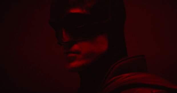 Режиссер показал Роберта Паттинсона вкостюме Бэтмена на съемках