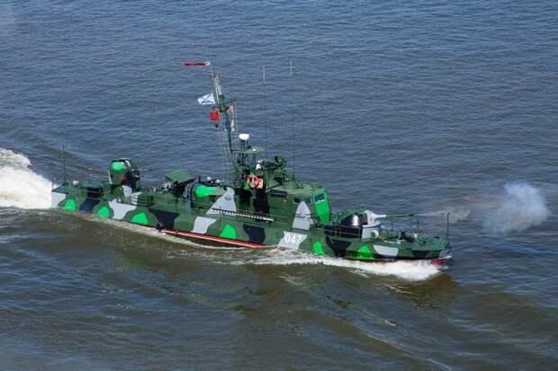 Катера и корабли Каспийской флотилии начали переход в Черное море