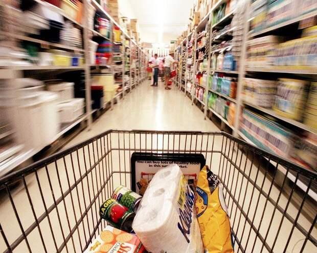 Экономист рассказал, когда в России прекратится рост цен
