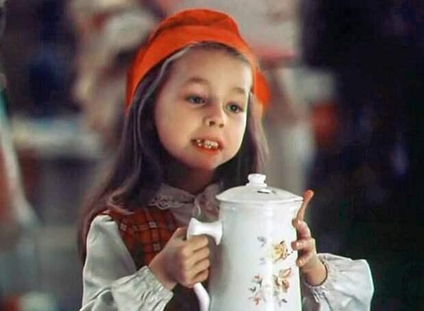 Юлия Космачёва в фильме «Сказки старого волшебника». / Фото: www.kino-teatr.ru