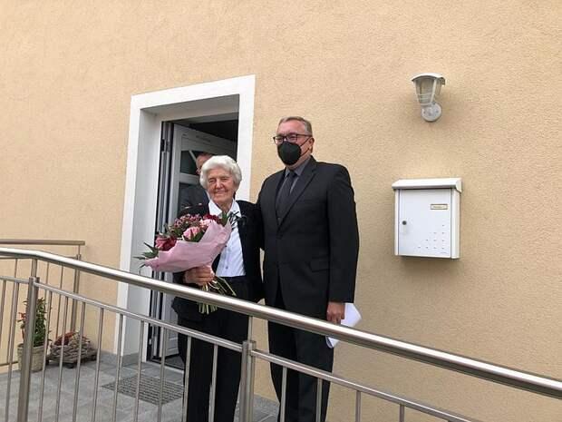 Посол России в Австрии наградил дочь Марии Лангталер, которая в феврале 1945-го спасла двух советских офицеров из концлагеря