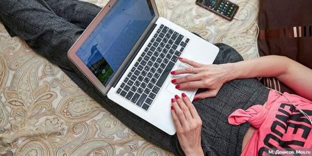 Почти 2 млн оценок в электронных журналах МЭШ выставили за неделю дистанта. Фото: М.Денисов, mos.ru