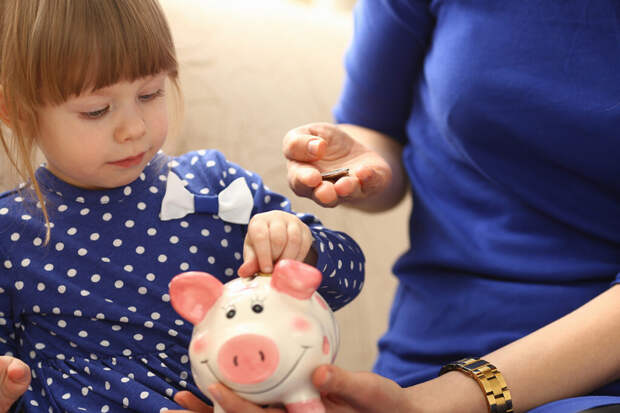 Минтруд назвал причины отказа в выплатах на детей