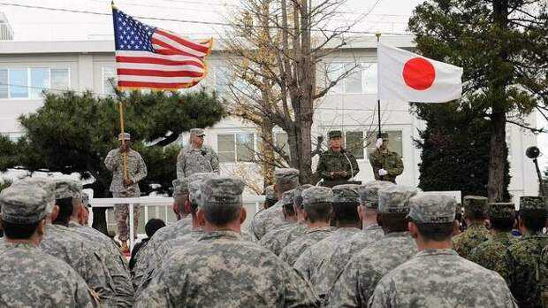 Япония «сливает» базы США, пользуясь проблемами «союзника»