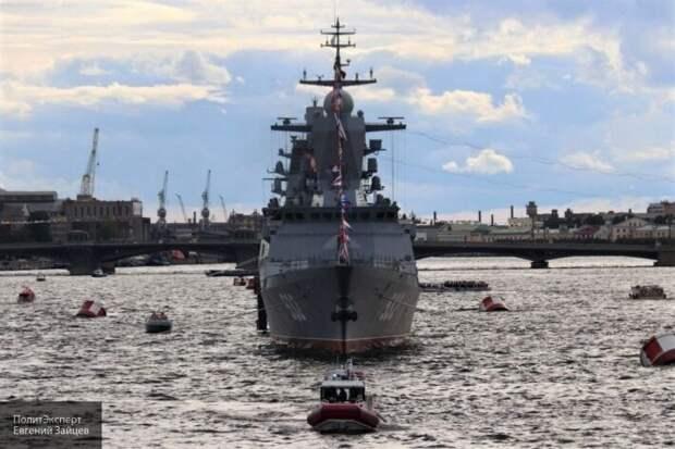Леонков пояснил беспокойную реакцию Запада на показ вооружений ВМФ России