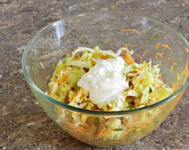 Салат с пекинской капустой Переполох. На приготовление салата уйдем минимум времени 2