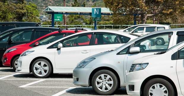«Смарт паркинг» от Tele2 оплатит парковку без участия водителя