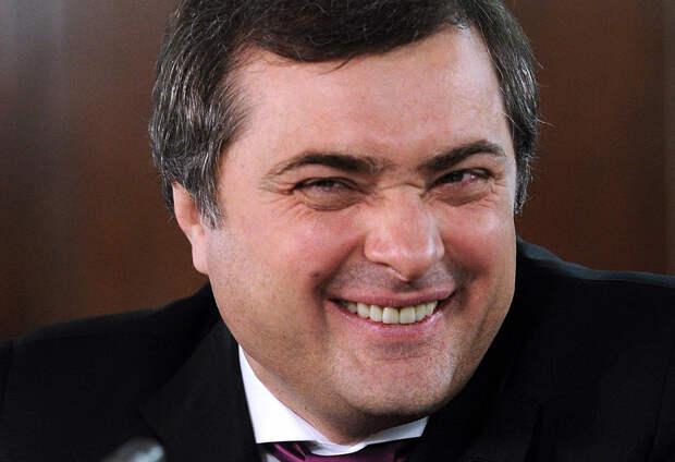 Прилепин обвинил Суркова в подготовке Майдана в России