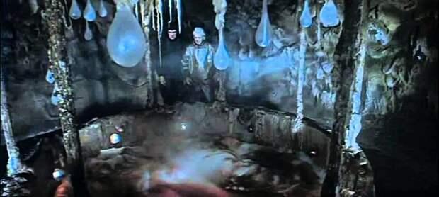 """ТОП-7 """"адских"""" машин и костюмов советской фантастики: кто придумал это чудо"""