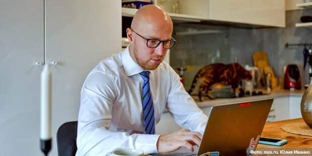 Владимир Жириновский решил голосовать онлайн на сентябрьских выборах в ГД. Фото: Ю. Иванко mos.ru