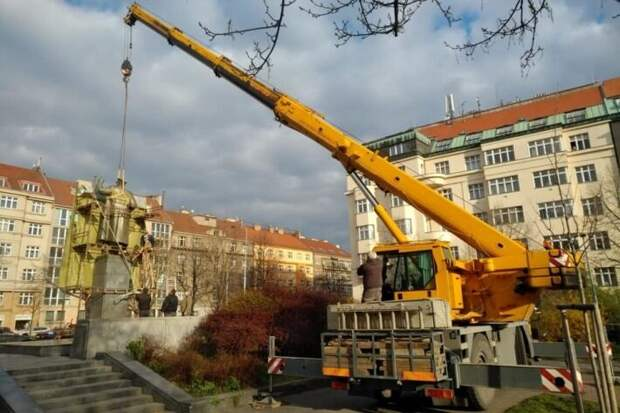 После сноса памятника Коневу в Чехии заметили странные подтасовки со стороны Праги