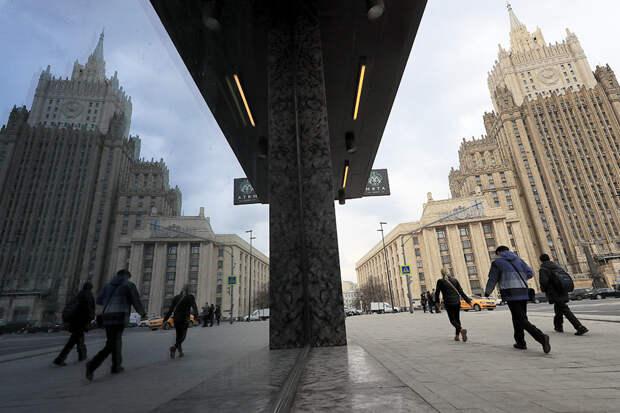 МИД РФ: Москва призывает Киев и НАТО отказаться от военных приготовлений
