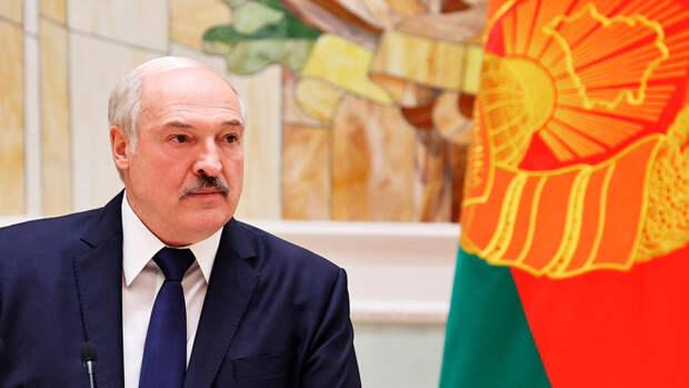 Лукашенко заявил о готовности провести выборы президента одновременно с США