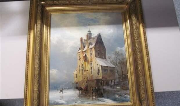 Полицейские Германии просят оренбургских коллег помочь установить владельцев картин