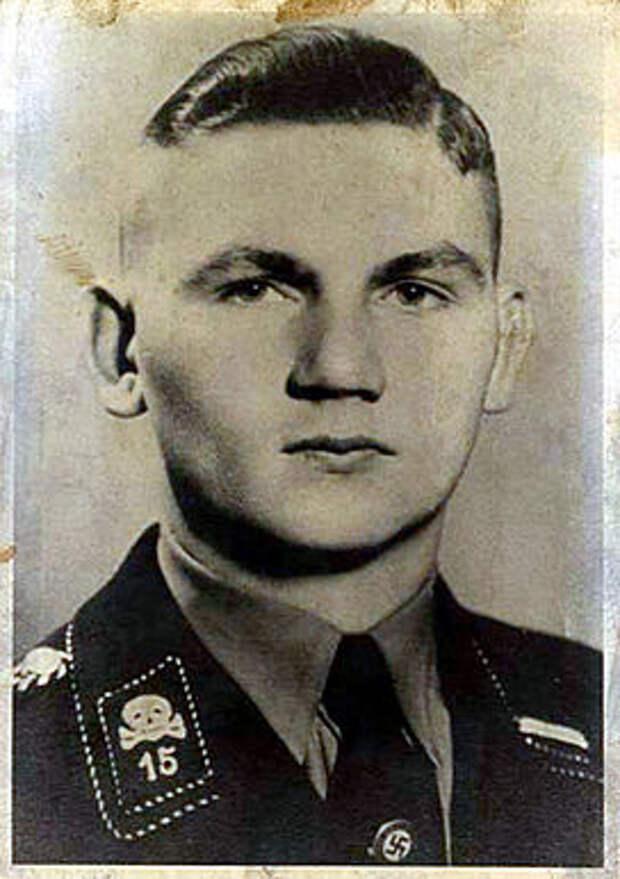 Герхард Мартин Зоммер, начальник карцера концлагеря, прозванный «Бухенвальдским мясником».