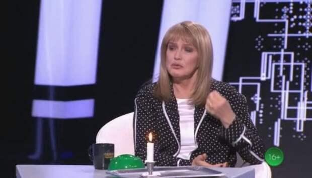 """Елена Проклова: """"Меня в эту взрослую жизнь окунули, как в лужу с грязью"""""""
