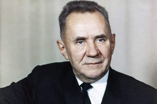 Косыгин — спасение СССР. Как сын токаря провёл главную операцию войны.