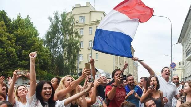 «Мы живем не в стране, а в языке». Как Франция поддерживает влияние в мире с помощью языковых связей