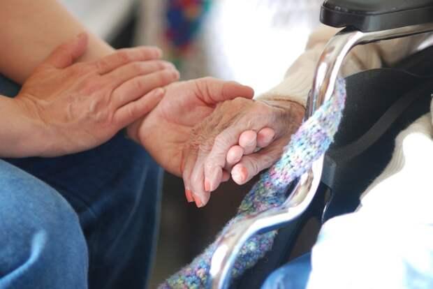 Более 6 000 пожилых жителей районов Удмуртии получили медпомощь на дому