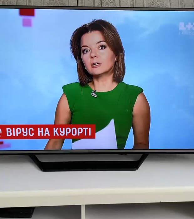 Конфуз впрямом эфире: телеведущая наглазах узрителей потеряла передний зуб, носохранила хладнокровие