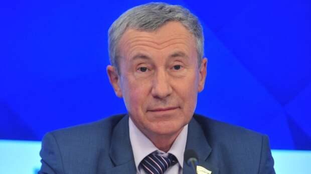 Сенатор Климов связал поздний отлет посла посла США с незаконными акциями