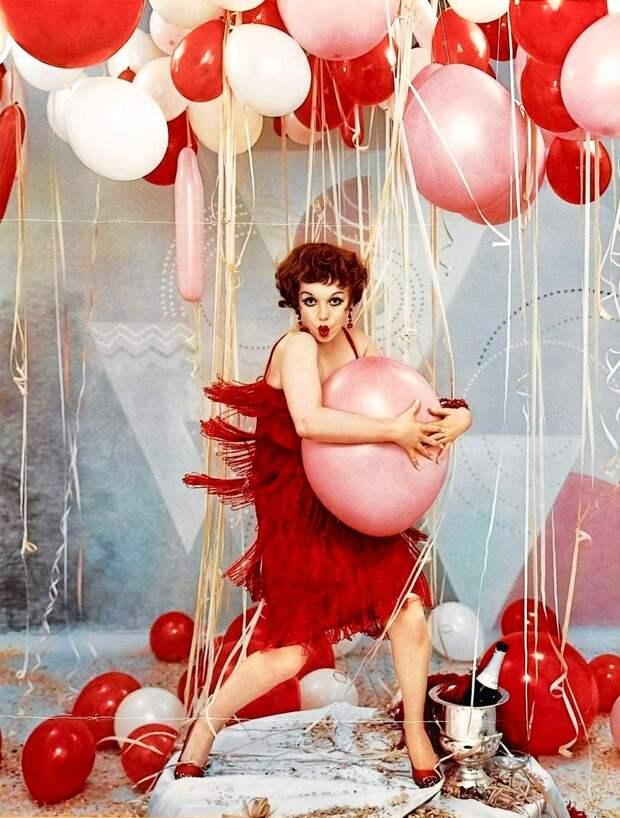 Фотосессия Мэрилин Монро, где она изображает культовых актрис прошлых эпох.