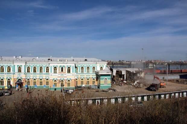 На жд вокзале в Иркутске сносят павильон пригородных касс