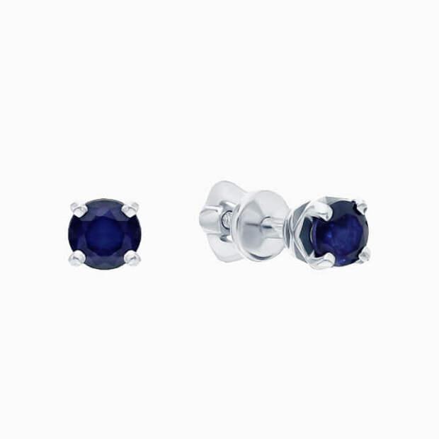 Серьги-гвоздики – лучшие украшения для короткой стрижки
