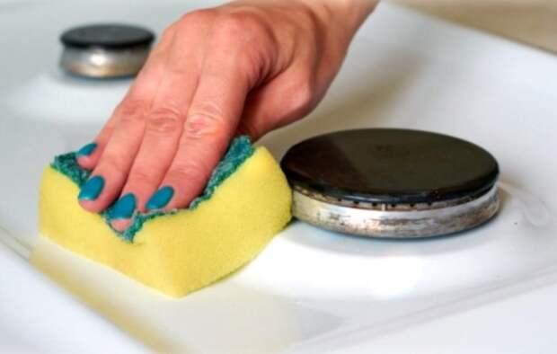 Пришла в гости к куме, а она полотенцем накрываем плиту. Сначала удивилась, теперь так делаю и сама. Рассказываю, в чем польза