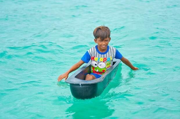 6 фото морских цыган, которые месяцами не ступают на сушу
