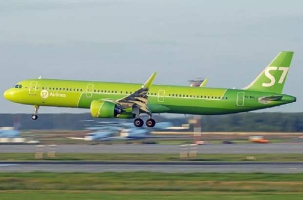 Происшествие с самолетом в Новосибирске сняли на видео